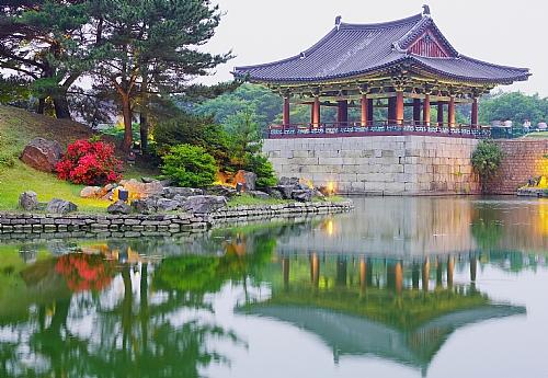 Silence !  - Page 20 PHOTOLISTE_20090427172927_coree_kyongju_palais_dan_500_