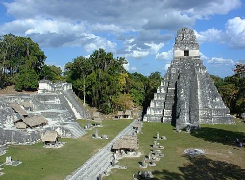 PHOTOLISTE_20100813155122_guatemala_tikal_temple_d_500_
